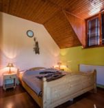 Guest-house / B&B*** Ranč u Bobiho Nový Tekov 2873 - double-bed  (25 - 30 m²):   (1 x  double bed), LCD, Own bathroom in room (shower cabin, washbasin, WC in the bathroom)