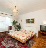 Private accommodation Habovka 3878 - double-bed:   (2 x  connected or separated twin beds), garden view, wi-fi (wireless) connection, Internet for free, shared kitchen, towels 2, shared bathroom in the corridor (shower cabin, bath, washbasin, WC in the bathroom), 1. floor